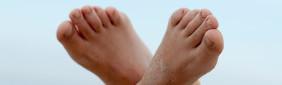 Füße gen himmel klein